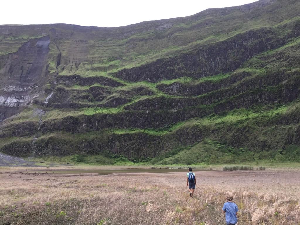 Ebene Landschaft im Krater