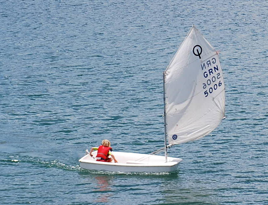 Fritz auf Vorwindkurs zur letzten Boje vor dem Ziel